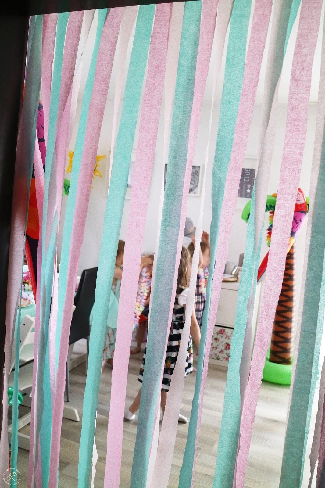 Kindergeburtstag wenn vaiana durch unser wohnzimmer for Wohnzimmer quatsch
