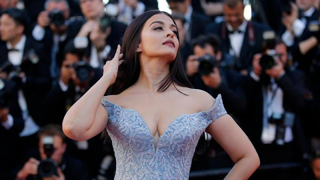 Aishwarya Rai At Cannes Film Festival 2017 Day 1 Stills