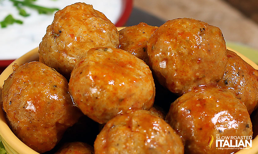 http://theslowroasteditalian-printablerecipe.blogspot.com/2013/01/buffalo-chicken-meatball-poppers.html