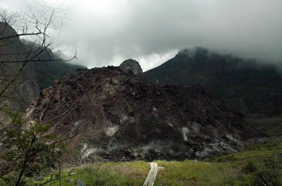 Gunung Kelud Kediri Kubah Lava Jalan Misteri Menilik Bekas Letusan