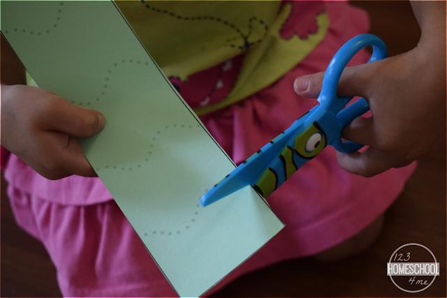 scissor-practice-toddler-preschool-kindergarten-free-printable