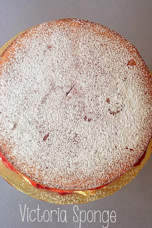 Sunday Tea: Victoria Sponge