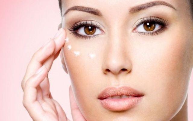Ψάχνετε για σπιτική κρέμα ματιών; Έχουμε την καλύτερη!