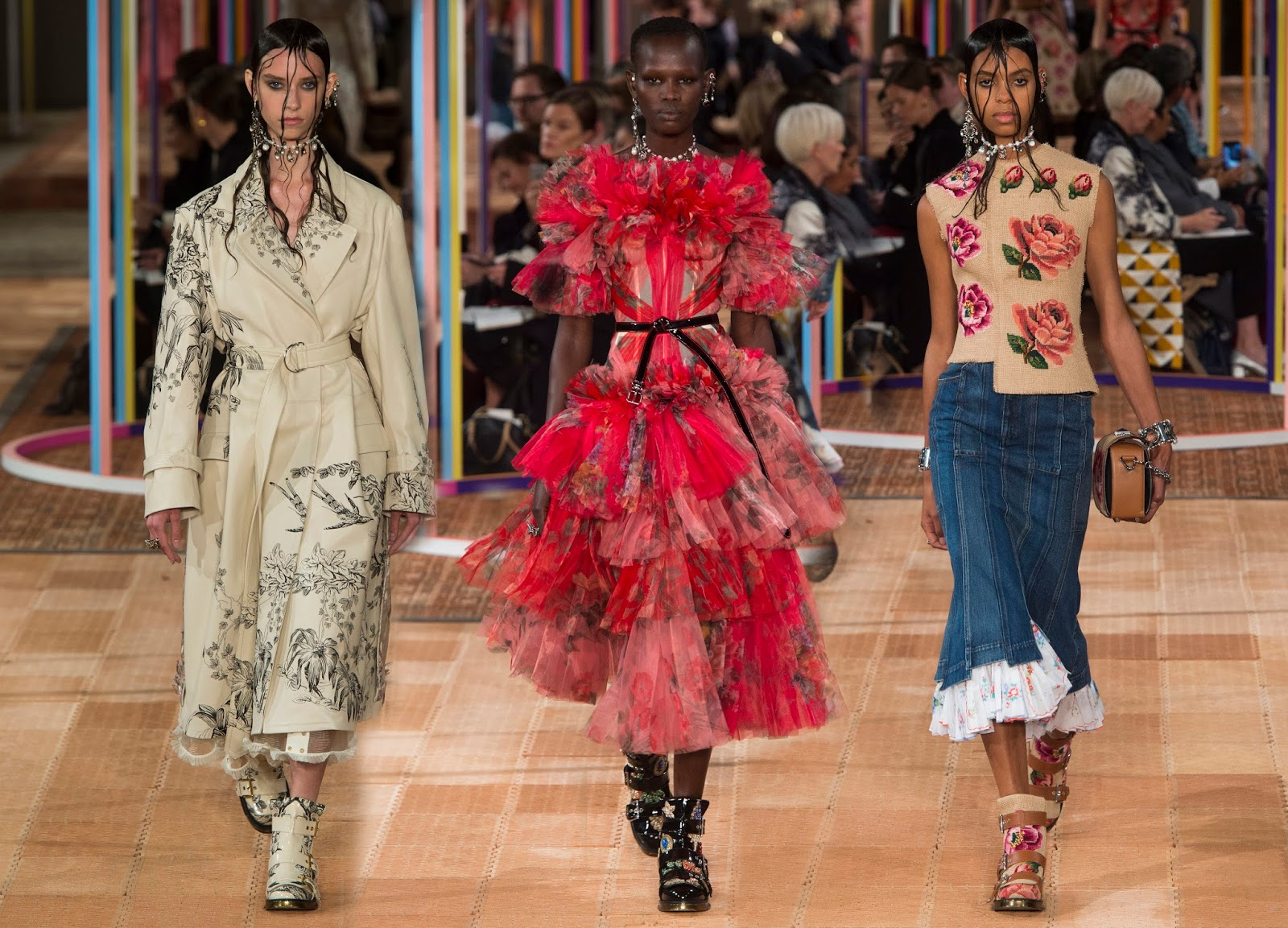 Fashion week Mcqueen alexander spring runway for woman
