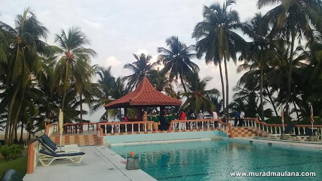 Kolam Renang Golden Star Beach Hotel