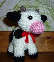 http://www.ravelry.com/patterns/library/virkad-ko-crochet-cow