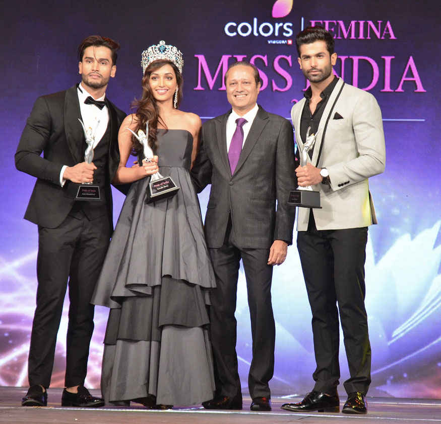 Rohit khandelwal, Srinidhi Shetty, Vineet Jain and Jitesh Thakur During Sub Contest Ceremony of Femina Miss India 2017