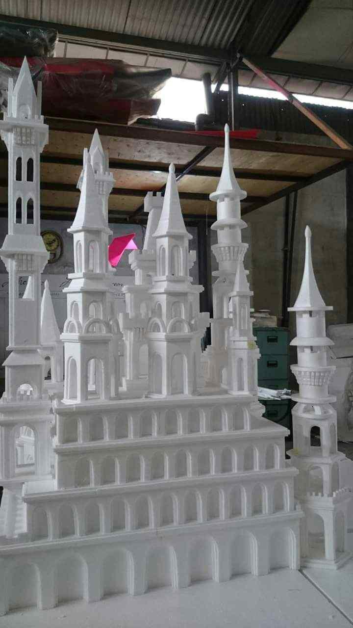 Pembuatan 3 D Mock up atau Maket / Miniatur Istana Castle dari styrofoam