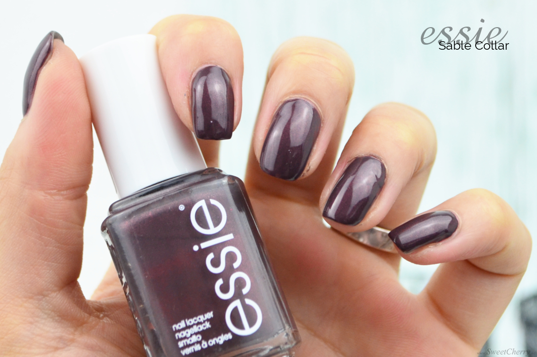 Herbst Favoriten | Dunkle Nagellacke für den Herbst Essie Sable Collar