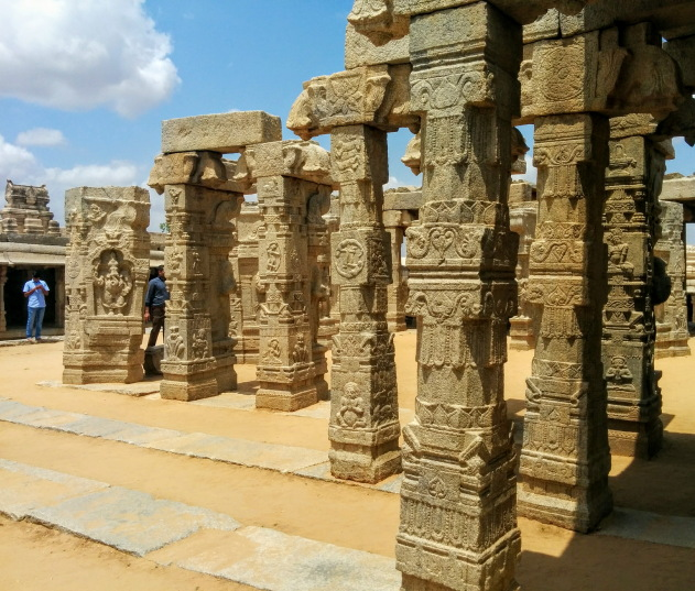 A side view of the gorgeous pillars of Veerbhadra temple, Lepakshi