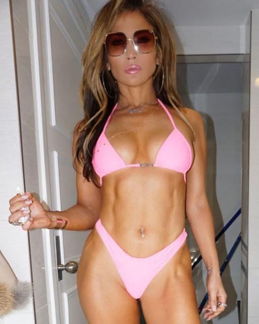 J Lo in bikini