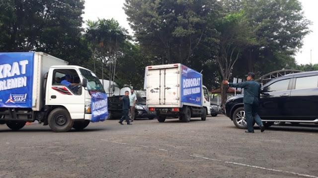 Daftar Caleg ke KPU, Demokrat Bawa Dua Truck Box