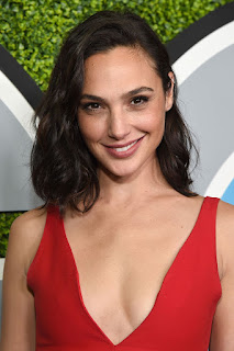 Gal Gadot Joins Dwayne Johnson's RED NOTICE