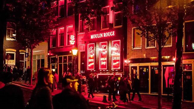 Caminhe pela Red Light District em Amsterdã