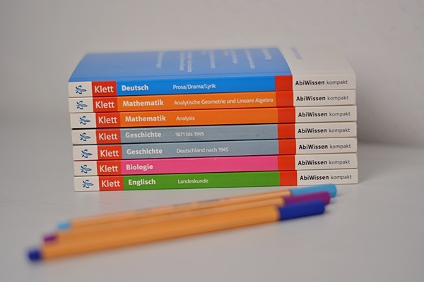 Spezielle Abi-Bücher sind sehr hilfreich beim lernen