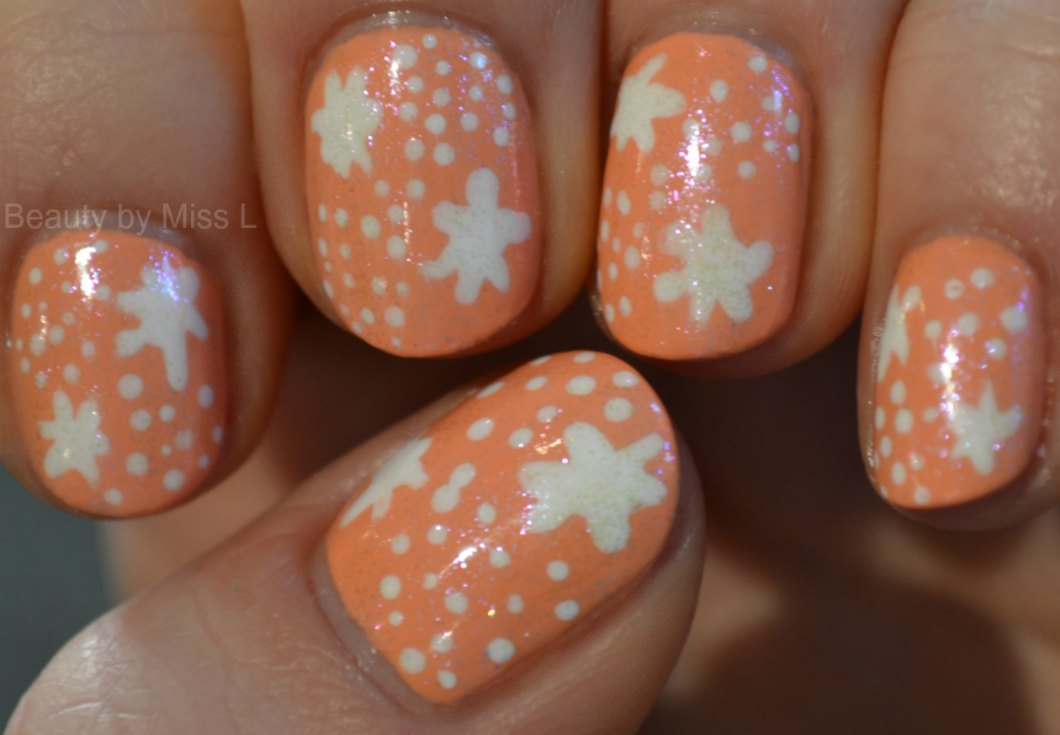 manicure for short nails, dotticure