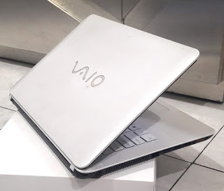 Laptop Sony Vaio SVF14212SGW Core i3 Second di Malang