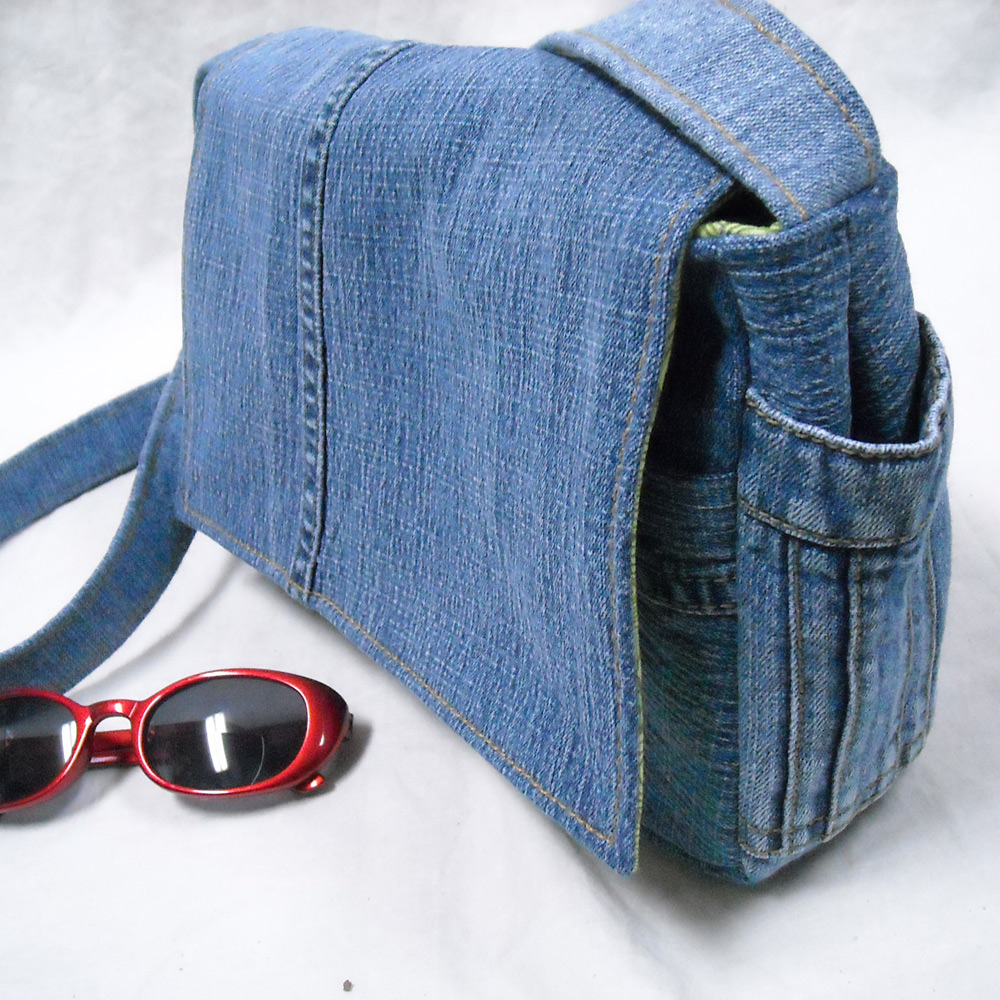 sid 39 s in stitches a new look at the jeans purse. Black Bedroom Furniture Sets. Home Design Ideas