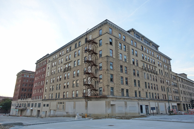 Abandoned Warden Plaza Hotel In Fort Dodge Iowa Affluence The Heartland