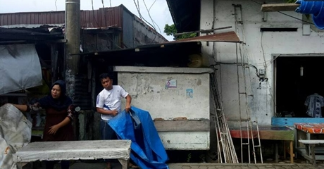 Gunakan Tanah Fasum, Satpol PP Kota Padang Tindak Tegas PKL