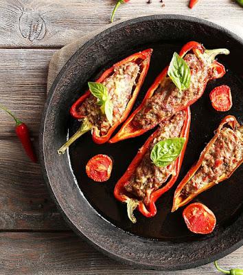 Papryki faszerowane mięsem