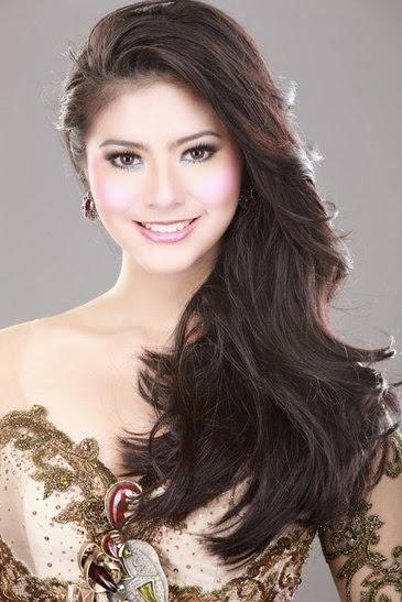Biodata Qory Sandioriva dan Foto Hot artis indonesia Qory Sandioriva