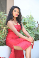 Mamatha sizzles in red Gown at Katrina Karina Madhyalo Kamal Haasan movie Launch event 032.JPG