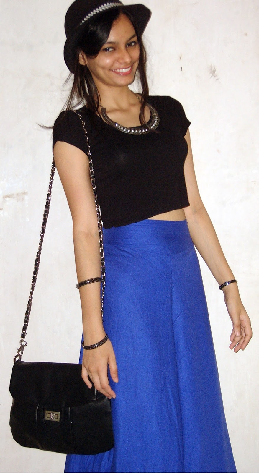 minimal dressing, spiked necklace, black bag, look for less, mumbai street shopping, what to buy in colaba, what to buy on linking road, what to buy in mumbai, palazzo pants, blue and black croptop