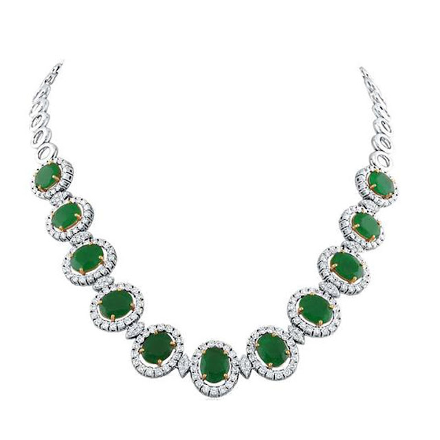 Green sparkle diamond necklace by VelvetCase.com- Rs. 6,40,239