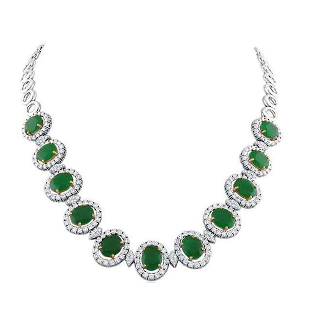 Green sparkle diamond necklace by VelvetCase.com- Rs. 6,40,239