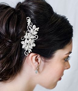 Excelente adorno para el cabello de toda mujer con mucha personalidad. 51453a7d3597