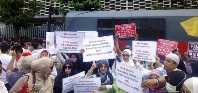 BEM Se-Jakarta Ungkap Gerakan Mengerikan di Balik People Power, Benarkah Ada Kehancuran Ini?