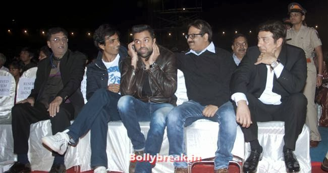 Sonu Sood, Abhay Deol and Sunny Deol, Bollywood Celebs at Umang Police Show 2014