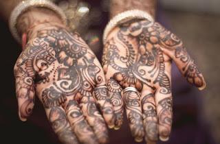 menghilangkan henna tangan dengan cepat