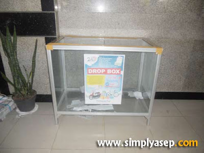 DROP BOX:  Seperti inilah bentuk Drop BOX yang disedaikan bagi anda yang ingin memasukkan Kupon Undian anda.   Foto Pontianak Post