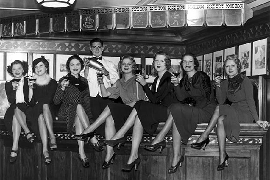 Thats What Women Looked Like In Bars From Between The 1930s And 1950s