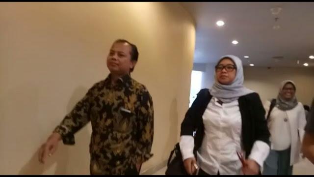 WOOW !! Ketua KPU DKI Kepergok Sedang Rapat Sama Tim Sukses Ahok, Hayoo Ada Apa??
