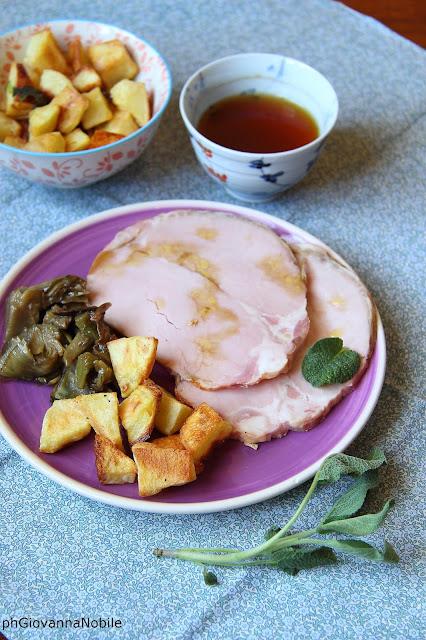 Carrè al forno Lenti, con contorno di carciofi in tegame e patate al forno