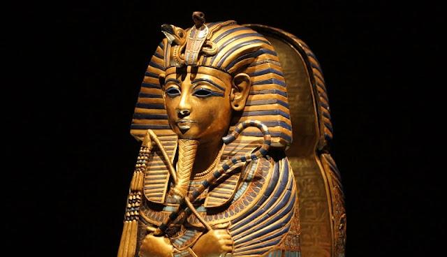 Gambar peti mati firaun yang merupakan peninggalan mesir kuno