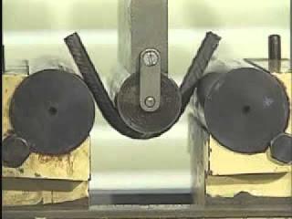 Máquina de ensaio de dobramento