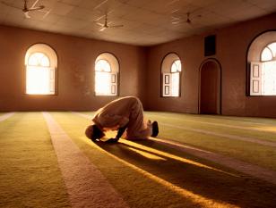 Inilah 7 Hal Yang Di Lakukan Mukmin Sejati Demi Takutnya Pada Allah SWT
