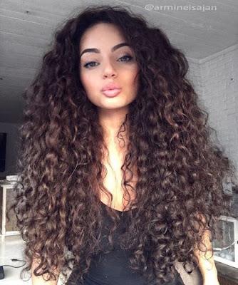 http://www.hairstyle.guru/15-luscious-long-hairstyles-for-curly-hair/