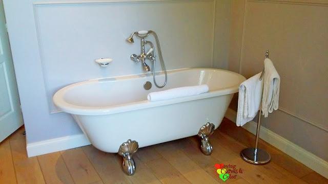 Baño-de-Chateau-Les-Olivers-de-Salettes