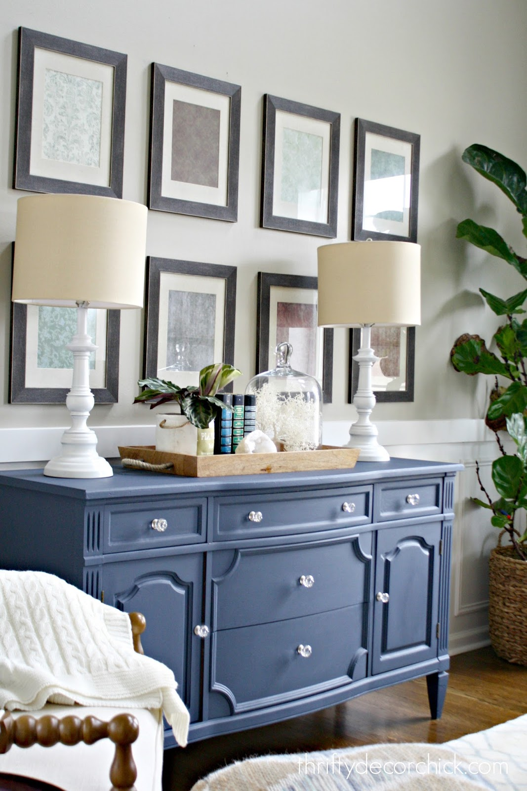 Dresser With Lamps And Tray