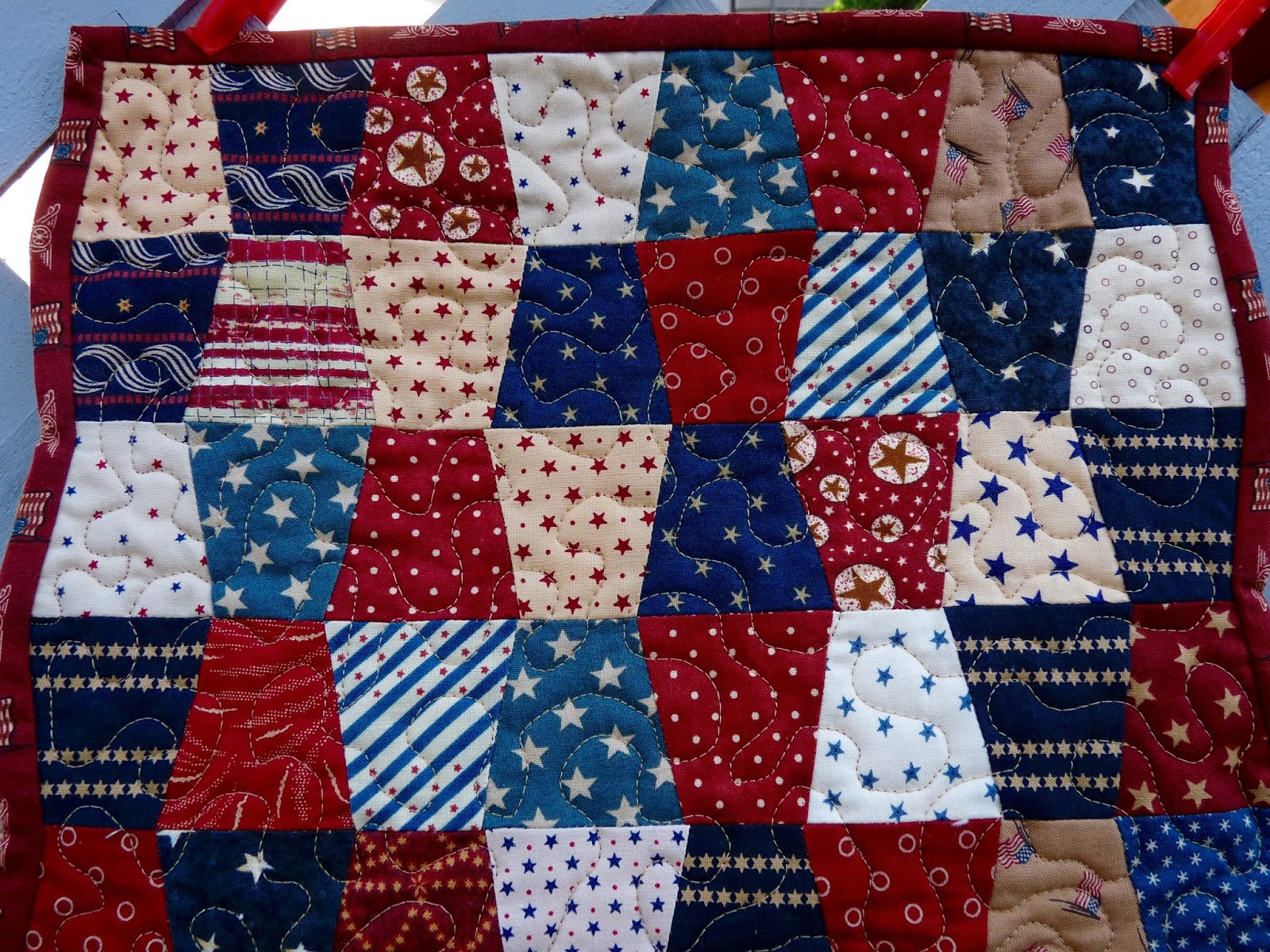 Country Log Cabin Mini Tumbler Quilt Finished