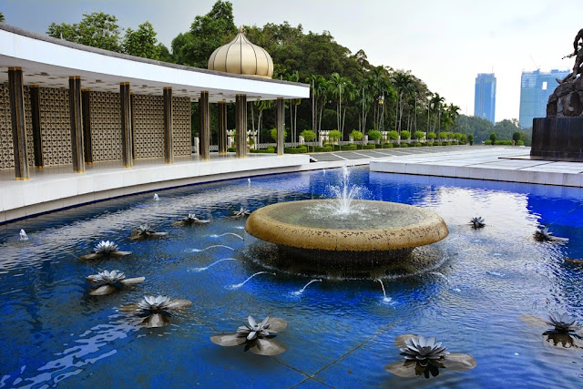 National Monument KL fountain