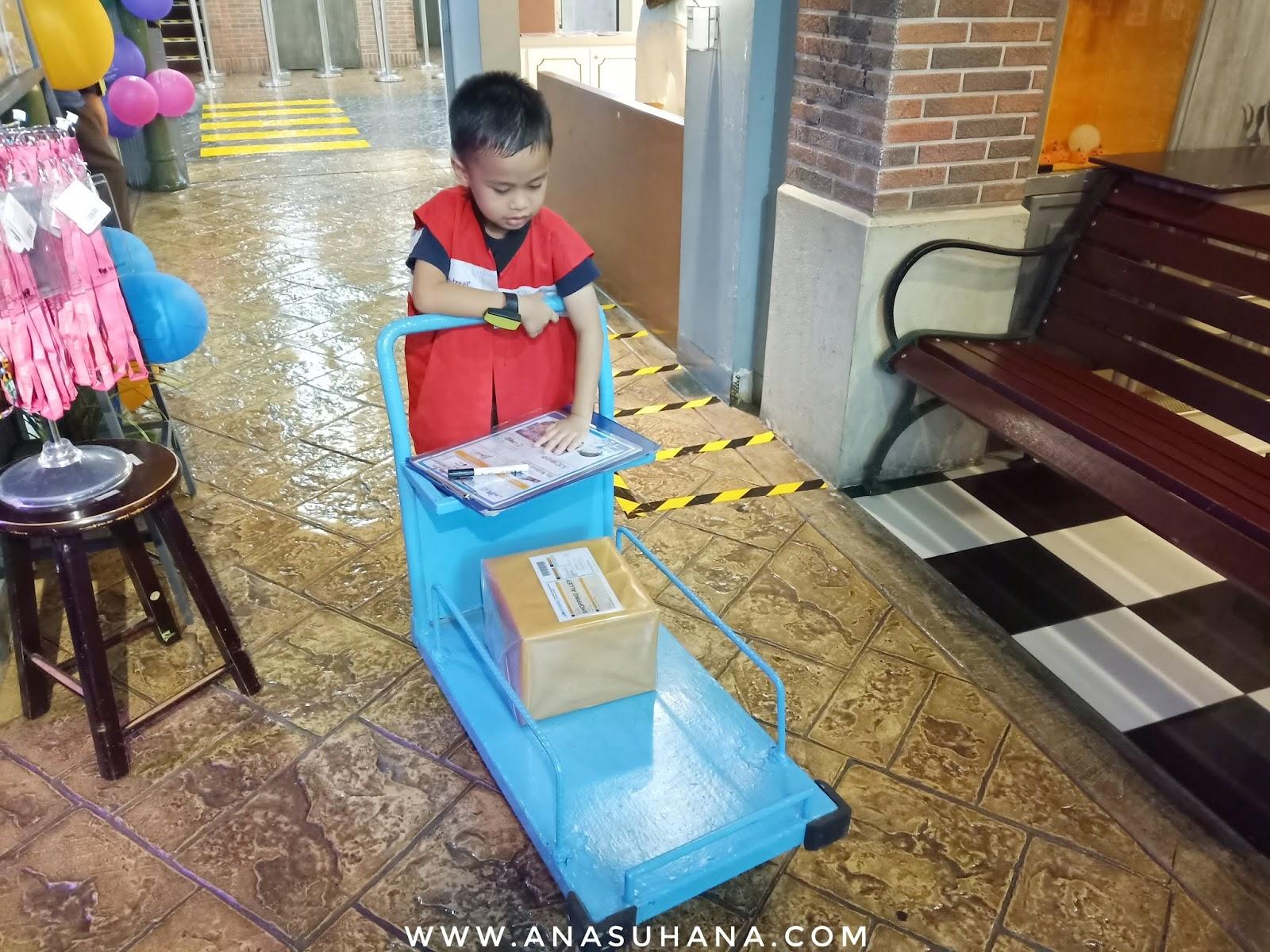 Mendidik Anak-anak Berbuat Baik Terhadap Orang Lain