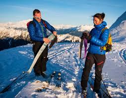 On déphoque on enlève les peaux après la montée en ski de randonnée