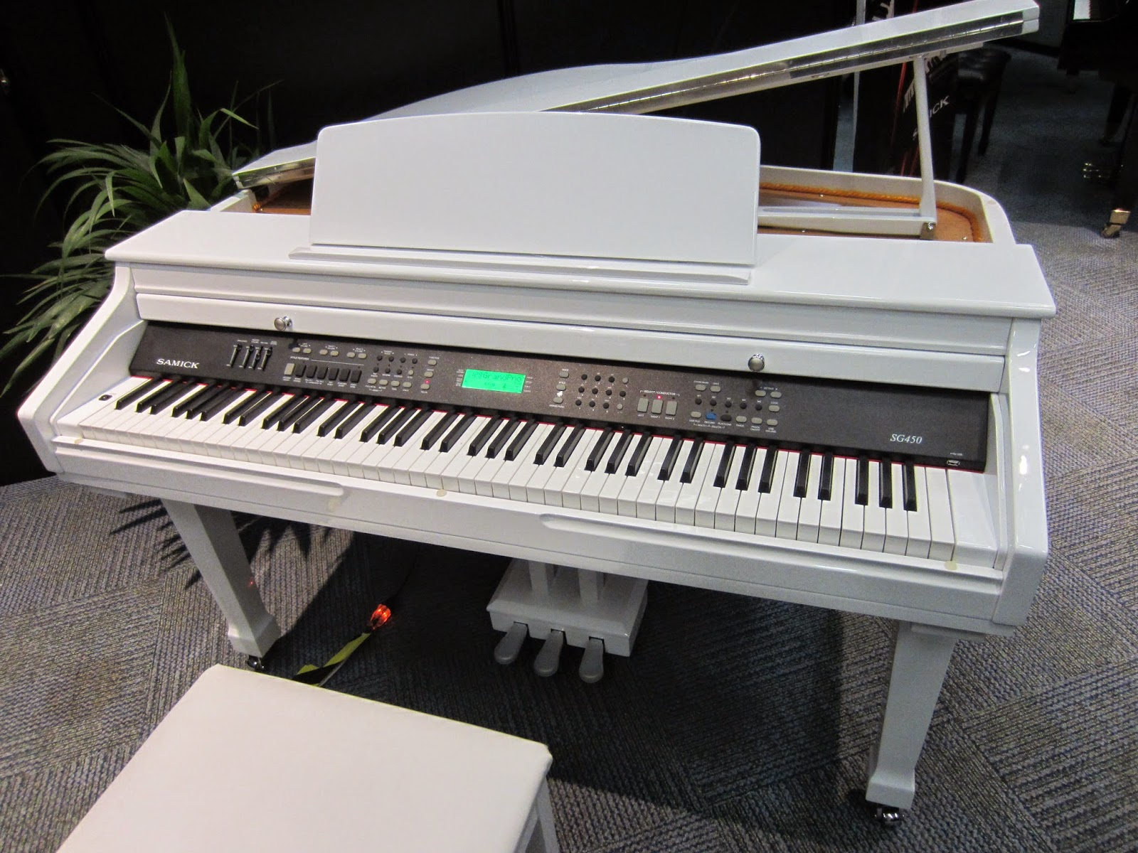 Samick SG450 digital piano