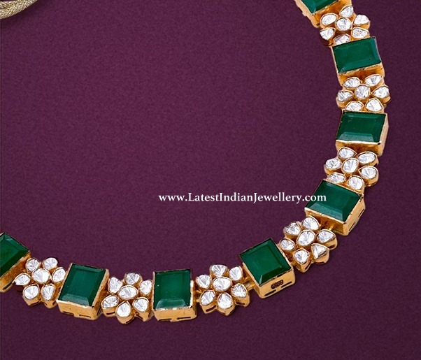 Elegant Emerald Floral Necklace